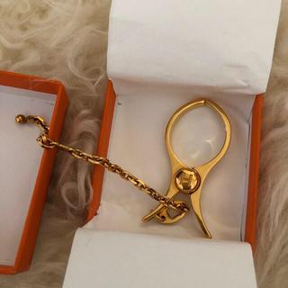 エルメス(Hermes)のエルメスグローブホルダー ゴールド 箱付き(手袋)