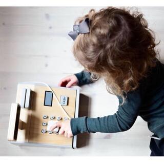 コドモビームス(こども ビームス)のSTOY ストイ レジ キャッシャー 新品 おもちゃ 北欧玩具 (知育玩具)