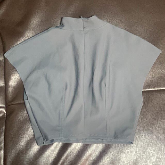 ZARA(ザラ)のzara ネオプレーントップス レディースのトップス(Tシャツ(半袖/袖なし))の商品写真