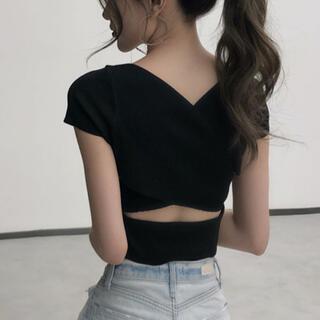 Lily Brown - バッククロスデザイントップス(ブラック)