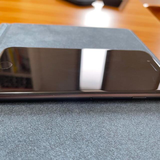 iPhone(アイフォーン)の★美品★iPhone8 64GB スペースグレイ SIMロック解除済 スマホ/家電/カメラのスマートフォン/携帯電話(スマートフォン本体)の商品写真