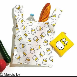 クイーンミッフィーのふわふわ刺繍ポーチ&エコバッグ
