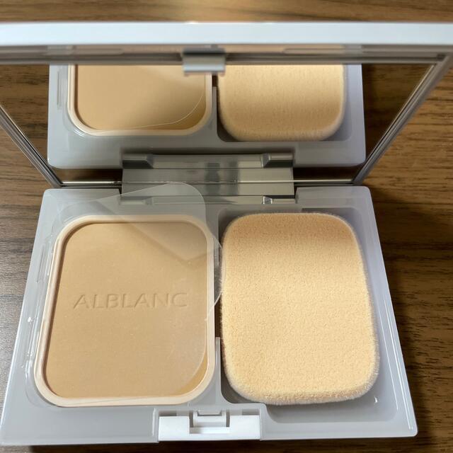 SOFINA(ソフィーナ)のアルブラン  潤白美肌パウダーファンデーション オークル05 ケース付 コスメ/美容のベースメイク/化粧品(ファンデーション)の商品写真