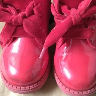 エイチアンドエム(H&M)の赤ブーツ(ブーツ)