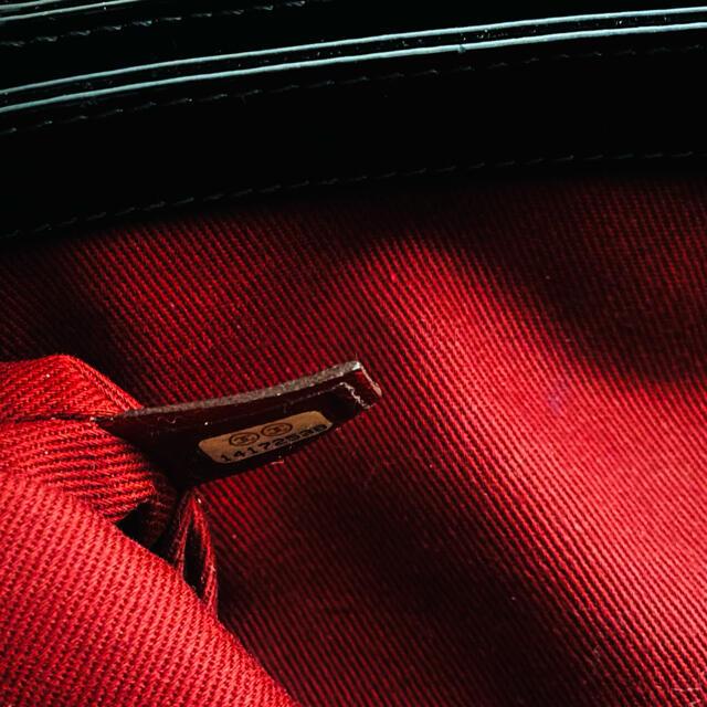 CHANEL(シャネル)のYnR様専用❗️美品❗️CHANEL エナメル・ショルダーバッグ レディースのバッグ(ショルダーバッグ)の商品写真