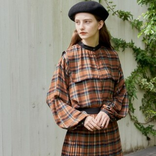 idem feel the wind check blouse