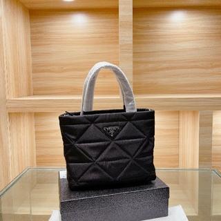 PRADA - 送料♡無料 プラダPRADA黒いバッグ