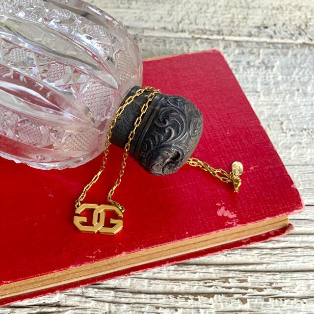 GIVENCHY(ジバンシィ)の70's仏!GIVENCHY!Gロゴのゴールドネックレス レディースのアクセサリー(ネックレス)の商品写真