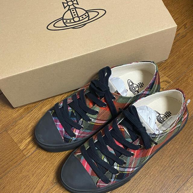 Vivienne Westwood(ヴィヴィアンウエストウッド)のヴィヴィアンウエストウッド タータンチェックスニーカー レディースの靴/シューズ(スニーカー)の商品写真
