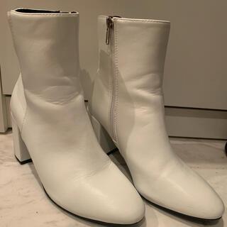 Bershka - Bershka ホワイト ブーツ