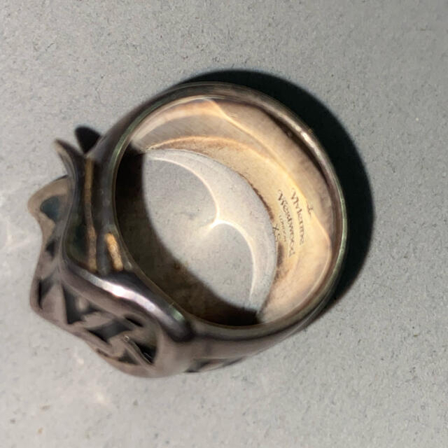 Vivienne Westwood(ヴィヴィアンウエストウッド)の 専用vivienne westwood ベルトリング 9号 シルバー レディースのアクセサリー(リング(指輪))の商品写真