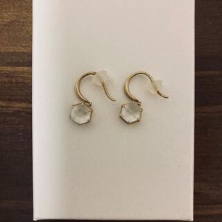 mederu jewelry/メデル 水晶へクス フックピアス