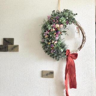 ブルーファンタジアとユーカリと花々のリース(リース)