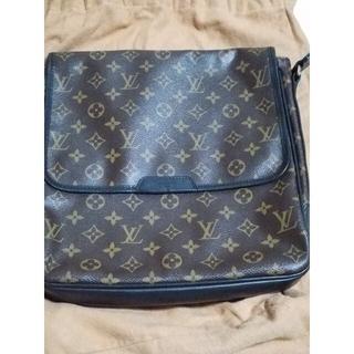 LOUIS VUITTON - ルイヴィトン斜め鞄です。