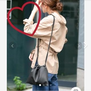 アーバンリサーチ(URBAN RESEARCH)の完売品♡フェイクレザー 巾着ショルダーバッグ♡(ショルダーバッグ)