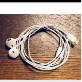 アップル(Apple)のアップル純正 イヤホン iPhone 8付属品 ライニングタイプ (ヘッドフォン/イヤフォン)