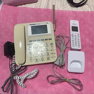 パナソニック(Panasonic)のpanasonic 電話機 VE-E10-Wと子機 KX-FKD404-W(その他)