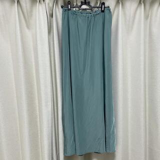 ケービーエフプラス(KBF+)のKBF+ サテンスカート(ロングスカート)
