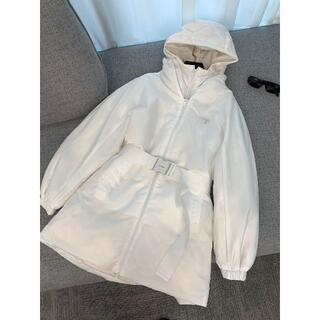 プラダ(PRADA)のPRADA☆プラダ ダウンコート☆ホワイト (テーラードジャケット)