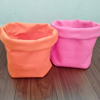 フェルトプランター♡オレンジ2枚とピンク2枚の4枚セット♡植木鉢 プランター (プランター)