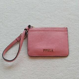 フルラ(Furla)のFURLA パスケース 定期入れ ピンク ストラップ付き(名刺入れ/定期入れ)