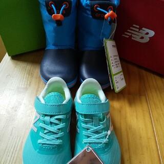 クロックス(crocs)の新品★2足   クロックススノーブーツ&ニューバランス(ブーツ)