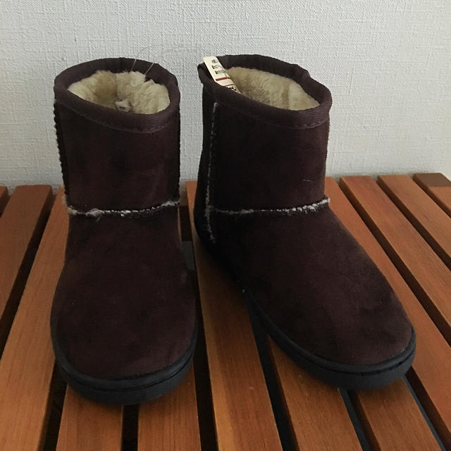 MUJI (無印良品)(ムジルシリョウヒン)の新品 未使用!無印ムートンブーツ キッズ/ベビー/マタニティのキッズ靴/シューズ (15cm~)(ブーツ)の商品写真