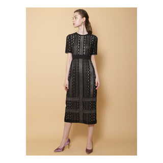 ラグナムーン(LagunaMoon)の新品未使用 LAGUNAMOON LADYジオメトリックレースドレス(ブラック)(ミディアムドレス)