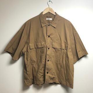 ウィゴー(WEGO)の古着 ウィゴー WEGO  半袖 シャツ 茶色 ポケット オーバーサイズ(シャツ)