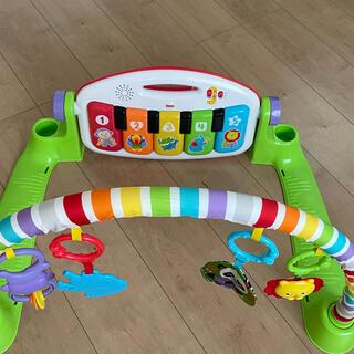 コンビ(combi)の新生児おもちゃ(知育玩具)