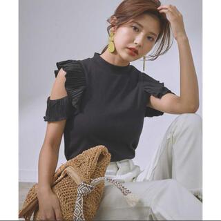 ヴィス(ViS)の【vis-`a-vis】プリーツスリーブモックネックプルオーバー(Tシャツ(半袖/袖なし))