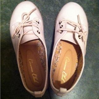 白靴(ハイヒール/パンプス)