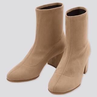 ユニクロ(UNIQLO)のユニクロ ストレッチ ショートブーツ ベージュ 22.5cm(ブーツ)