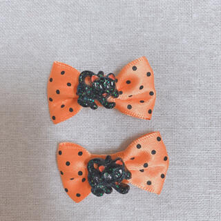 クレアーズ(claire's)のハロウィン リボン ヘアピン コスプレ 水玉 黒猫(ヘアピン)