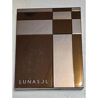 ルナソル(LUNASOL)の新品・未使用品のLUNASOL ルナソル マカロングロウアイズ01Cassis(フェイスカラー)