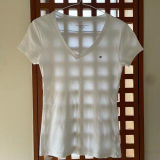 トミーヒルフィガー(TOMMY HILFIGER)のTOMMY HIFIGER Vネック 白 Tシャツ(Tシャツ(半袖/袖なし))