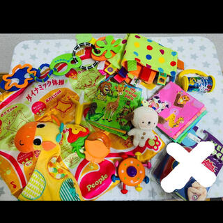 コンビ(combi)の赤ちゃんおもちゃ 歯固め(知育玩具)