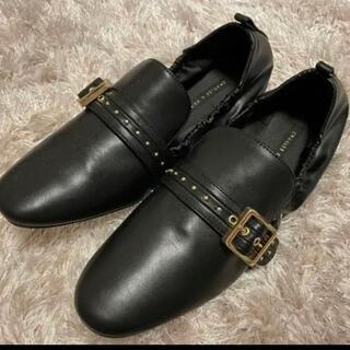 チャールズアンドキース(Charles and Keith)のチャールズアンドキース ベルト ローファー(ローファー/革靴)