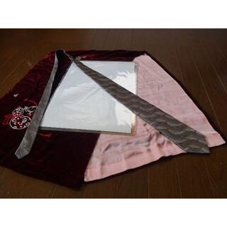 HUGO VALENTINOのネクタイ日本製!。(ネクタイ)