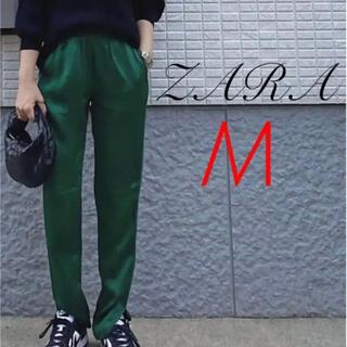 ザラ(ZARA)のZARA サテンスリットパンツ M グリーン 完売 ハイライズパンツ(カジュアルパンツ)