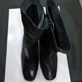 アシックス(asics)のpedala  黒革ブーツ(ブーツ)