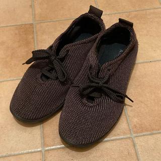 アルコペディコ(ARCOPEDICO)のアルコペディコ 茶色 靴(スニーカー)