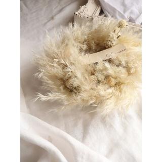 秋冬wreath。真っ白なお花とパンパスグラスのリース。ドライフラワーリース(リース)