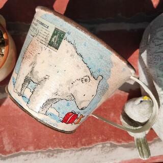 どうぶつ達のプレゼントシリーズ3 冬バージョン コップ型リメイク缶(プランター)