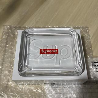 シュプリーム(Supreme)の20SS Supreme Debossed Glass Ashtray (灰皿)