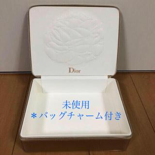 ディオール(Dior)の【 Dior 】クリスマスコフレケース 小物入れ アクセサリーボックス(小物入れ)