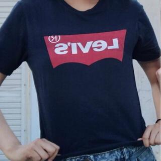 リーバイス(Levi's)のLevi's 紺 ロゴTシャツ(Tシャツ(半袖/袖なし))