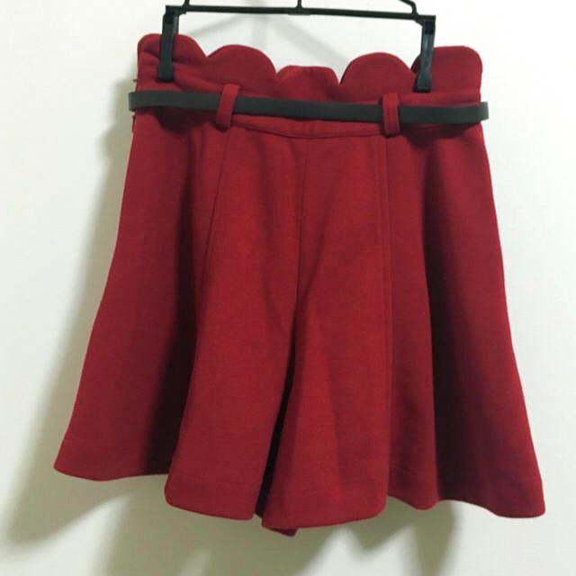 Dip Drops(ディップドロップス)のベルト付き!ディップドロップス 赤キュロットパンツ レディースのパンツ(キュロット)の商品写真