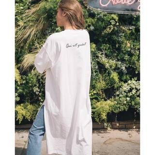 グレイル(GRL)の新品未使用 GRL バックロゴ入りルーズTシャツワンピース(Tシャツ/カットソー(半袖/袖なし))