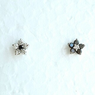 ポンテヴェキオ(PonteVecchio)のポンテヴェキオ ピアス ダイヤモンド ブラックダイヤ 18WG フラワー 美品(ピアス)